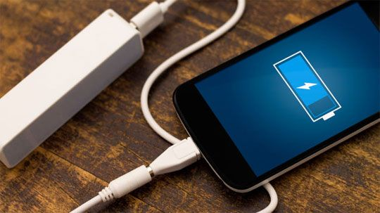 Cara Mudah Hemat Baterai Smartphone saat Liburan