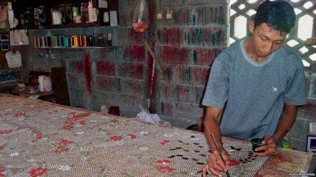 Pembatik Kritisi Kewajiban Miliki Sertifikat Halal Produk Batik