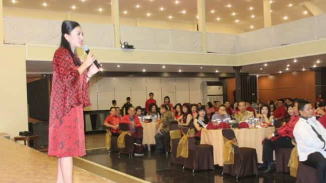 Karolin  Siap Lanjutkan Pembangunan Kalbar
