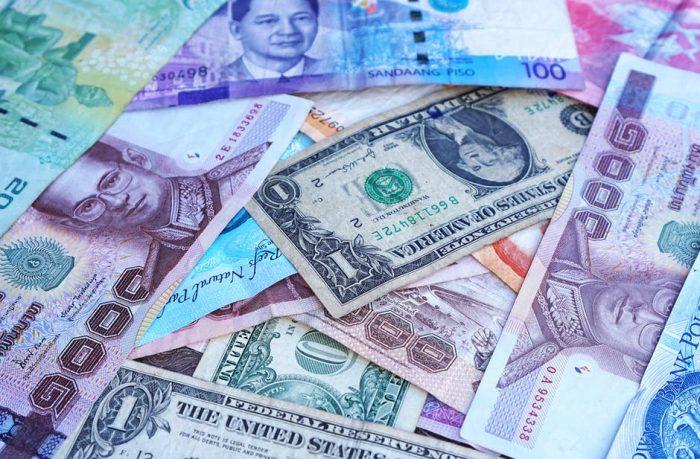 Untung Rugi Memiliki Tabungan atau Investasi Mata Uang Asing
