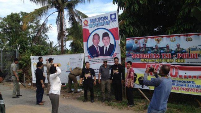 Baliho Paslon Pilgub Ditertibkan Sat Pol PP dan Panwaslu Ketapang