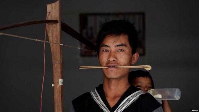Etnis Lisu China Lestarikan Tradisi Busur Silang