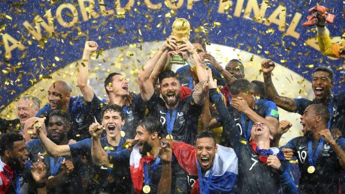 Perancis Larut Dalam Pesta Kemenangan