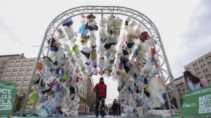 Jaringan Supermarket di Austaralia Terapkan Larangan Penggunaan Kantong Plastik