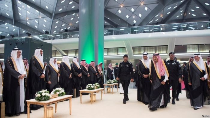 Raja Arab Saudi Salman Resmikan Kereta Api Cepat Bernilai 100 T
