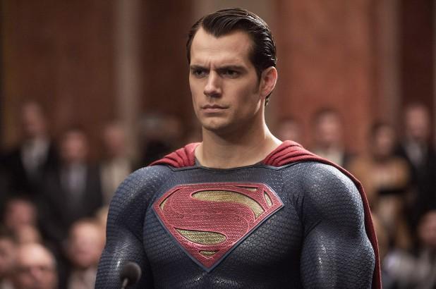 Henry Cavill dilaporkan berhenti dari Superman, agennya bantah lewat tweet