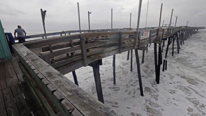 Badai Florence Mulai Terpa North Carolina