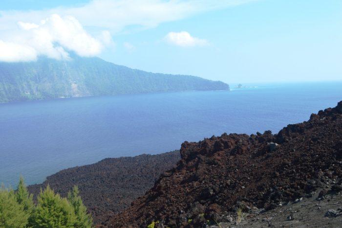 Gunung Anak Krakatau Status Waspada, Masyarakat Diminta Tenang dan Tidak Percaya Hoax