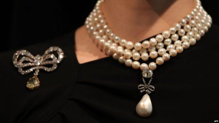 Liontin Mutiara Marie Antoinette Terjual  472,5 Miliar