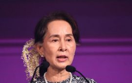 Amnesty International Lucuti Penghargaan Suu Kyi