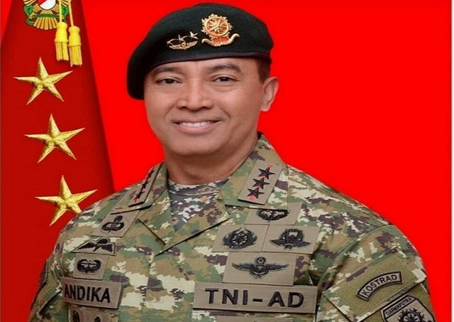 Presiden Joko Widodo Lantik Jenderal Andika Perkasa Sebagai KSAD