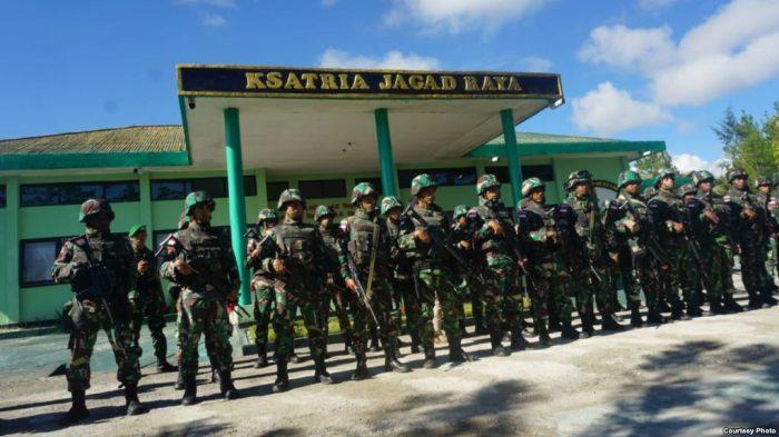 TNI Bantah Gunakan Bom Fosfor di Papua
