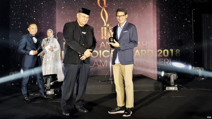 Ma'ruf Amin dan Sandiaga Raih Penghargaan Moeslim Choice Awards