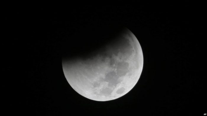 Gerhana Bulan Total dan Supermoon Berpadu Jadi Satu