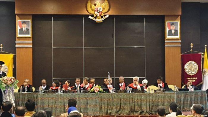 Indonesia Bersyariah Jargon Kepentingan Politik