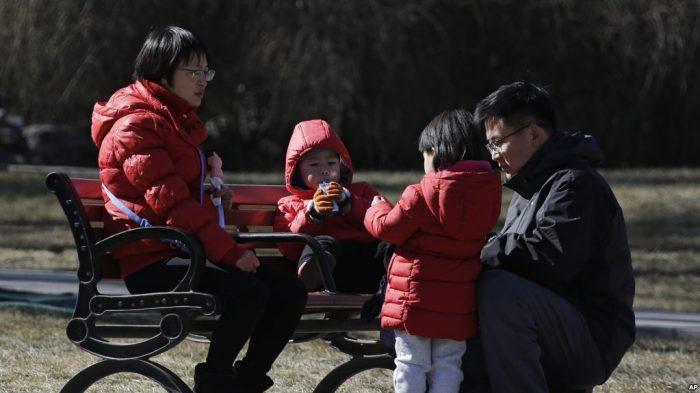 """Tarik-Menarik Kebijakan """"Satu Anak"""" di China"""