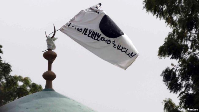 Bendera Boko Haram di sebuah masjid di Afrika.