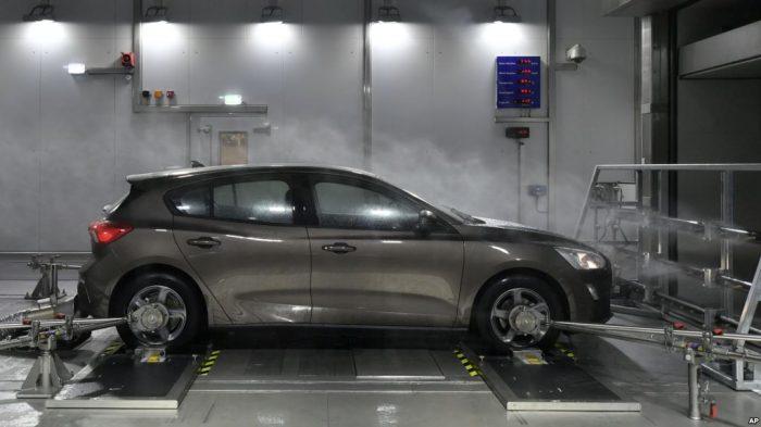 Penghargaan Mobil Terbaik Tahun Ini di Geneva Internasional Motor Show