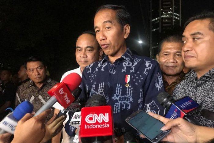 Jokowi Bertemu Relawan dan Sampaikan Terima Kasih