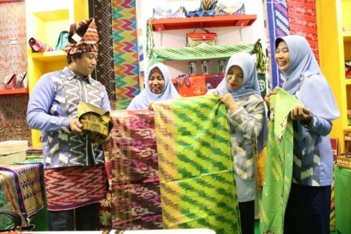 Tiga Pengrajin Pontianak Tampilkan Produk di INACRAFT Jakarta