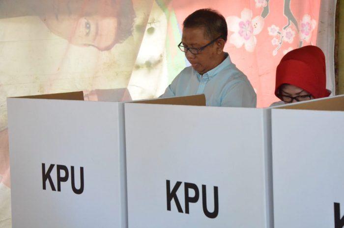 Gubernur Sutarmidji Gunakan Hak Pilih Di Pemilu 2019