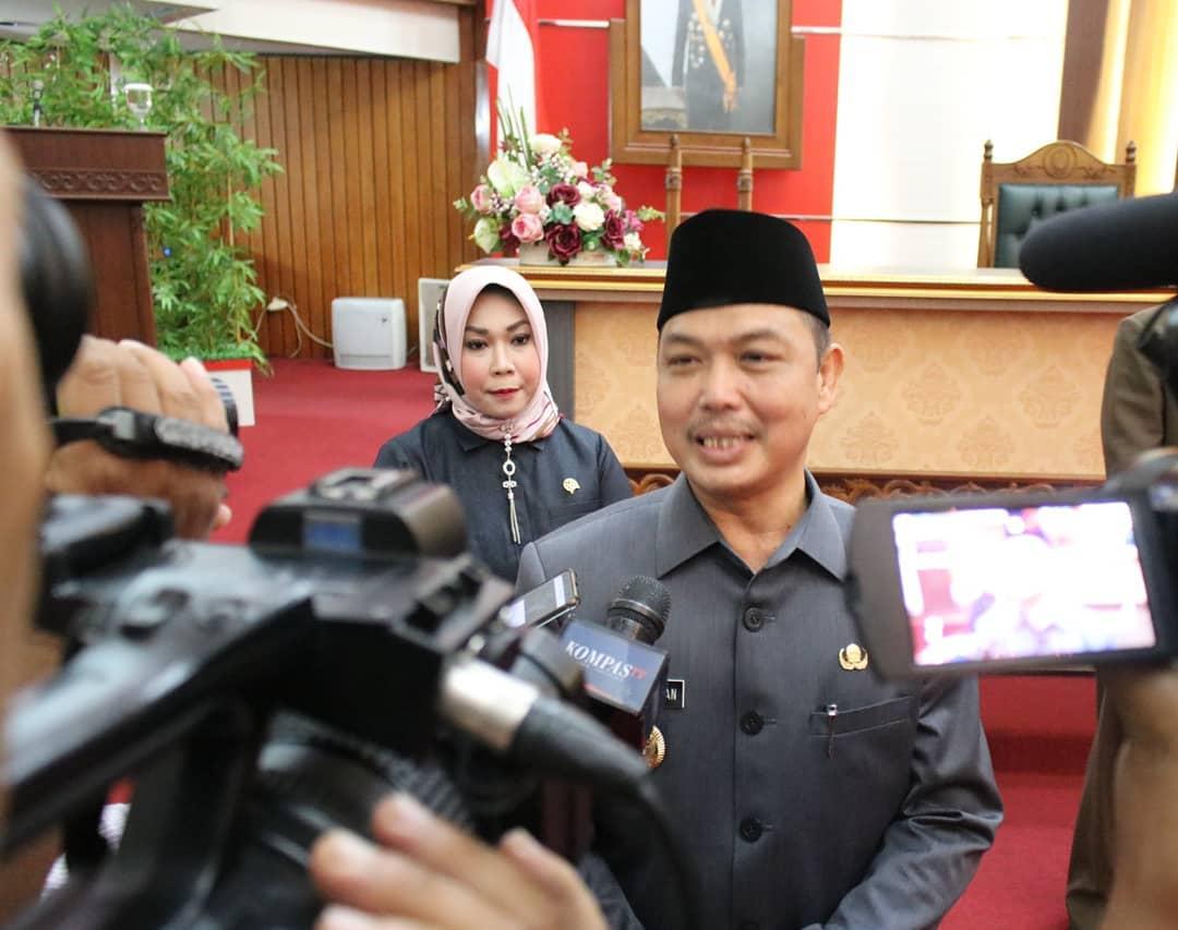 Sah!! DPRD Kalbar Setujui Dua Raperda Jadi Perda
