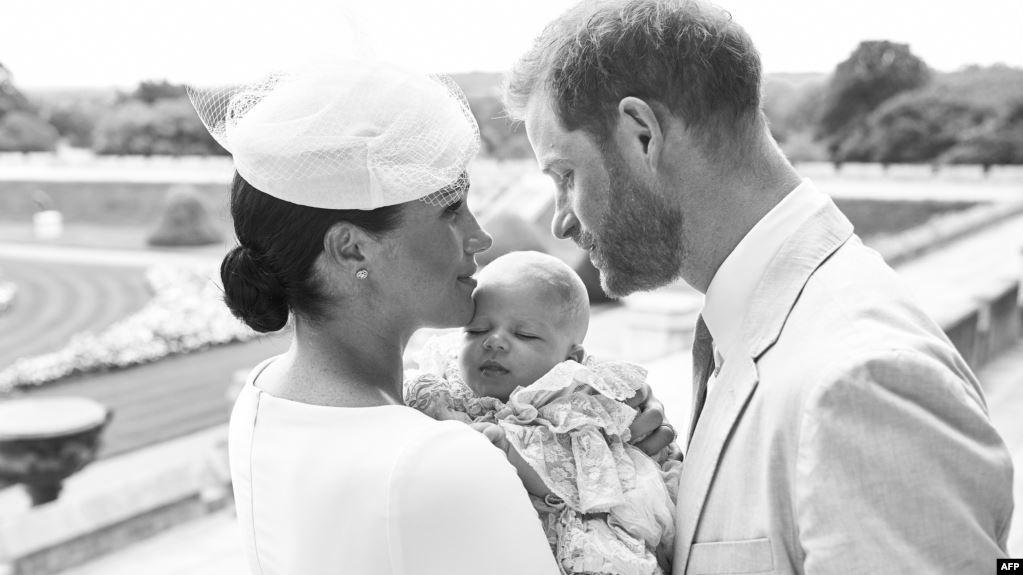 Archie, Putra Harry dan Meghan Dibaptis dalam Upacara Tertutup