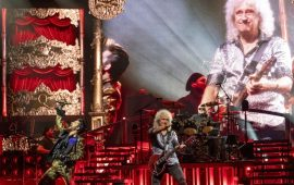 "Queen Rilis Proyek Video ""You Are The Champion"""
