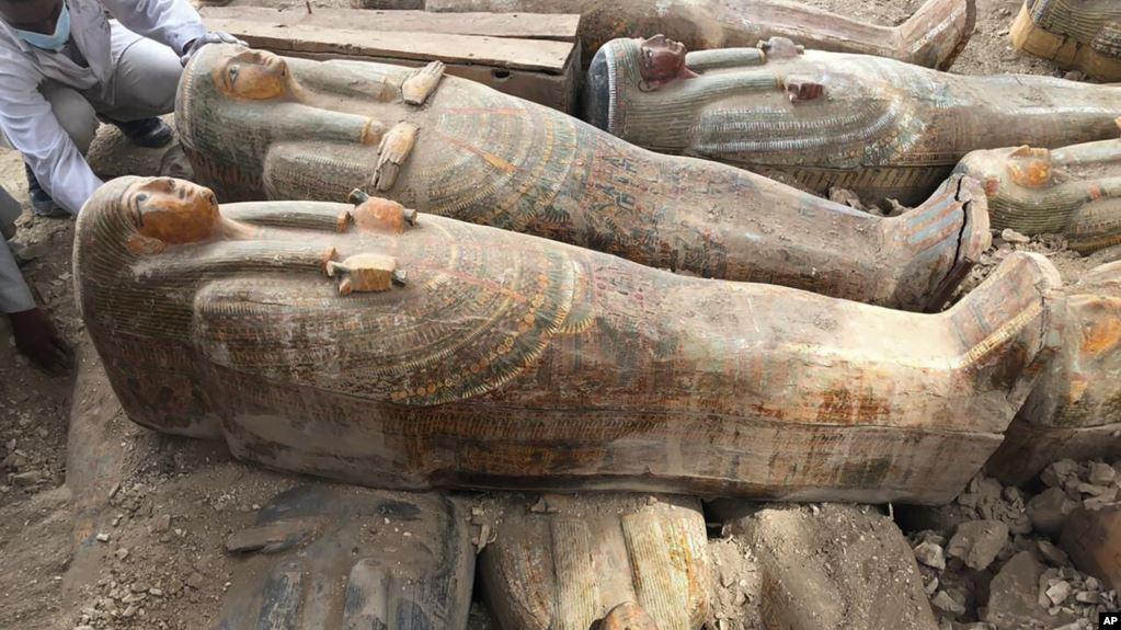 Tim Arkeolog Mesir Temukan 30 Peti Mati dari Dinasti ke-22