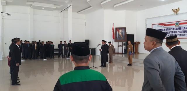 Bupati Kayong Utara, Citra Duani melantik lima Pejabat Pimpinan Tinggi Pratama (Kepala Dinas) di Aula Pendopo (Istana Rakyat), Selasa (26/11/2019) Sukadana.