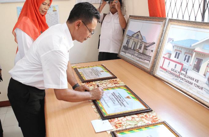 Resmikan Balai Penyuluhan KB, Edi Minta Warga Manfaatkan dengan Maksimal