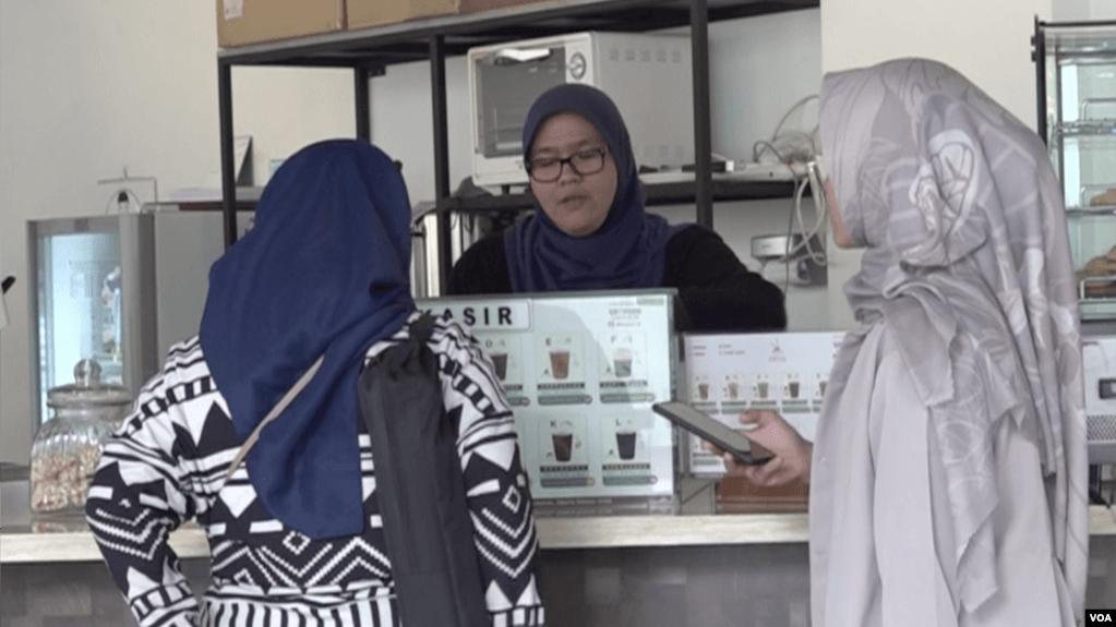 Kedai Kopi Tuli Kampanyekan Kesetaraan Orang-Orang Tuli