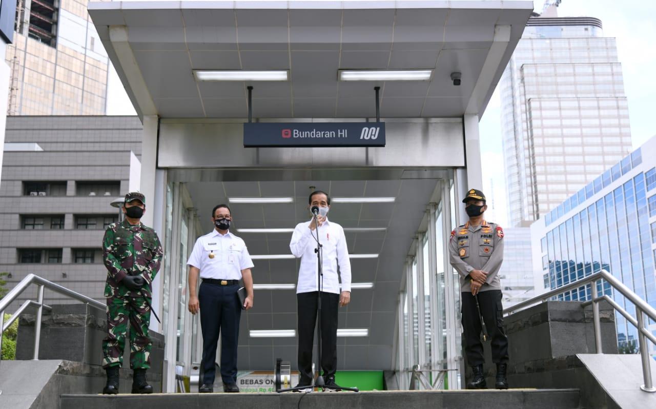 Presiden Joko Widodo pada Selasa, 26 Mei 2020, pagi meninjau kesiapan penerapan prosedur standar tatanan baru atau new normal di sarana publik.