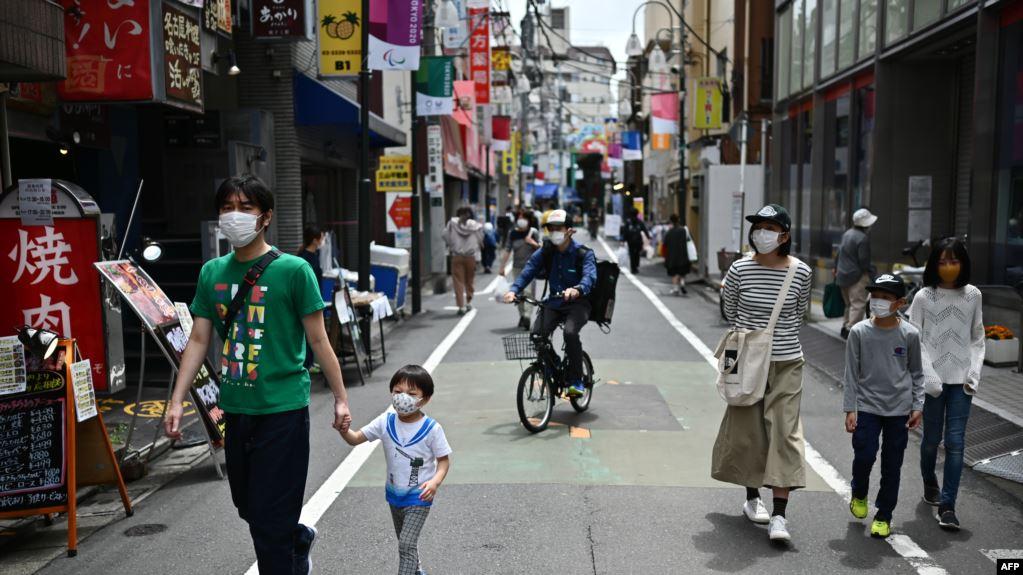 Ekonomi Jepang mengalami resesi untuk pertama kalinya sejak 2015, sementara pandemi virus corona membuat aktivitas ekonomi di dalam dan di luar negeri terhenti.