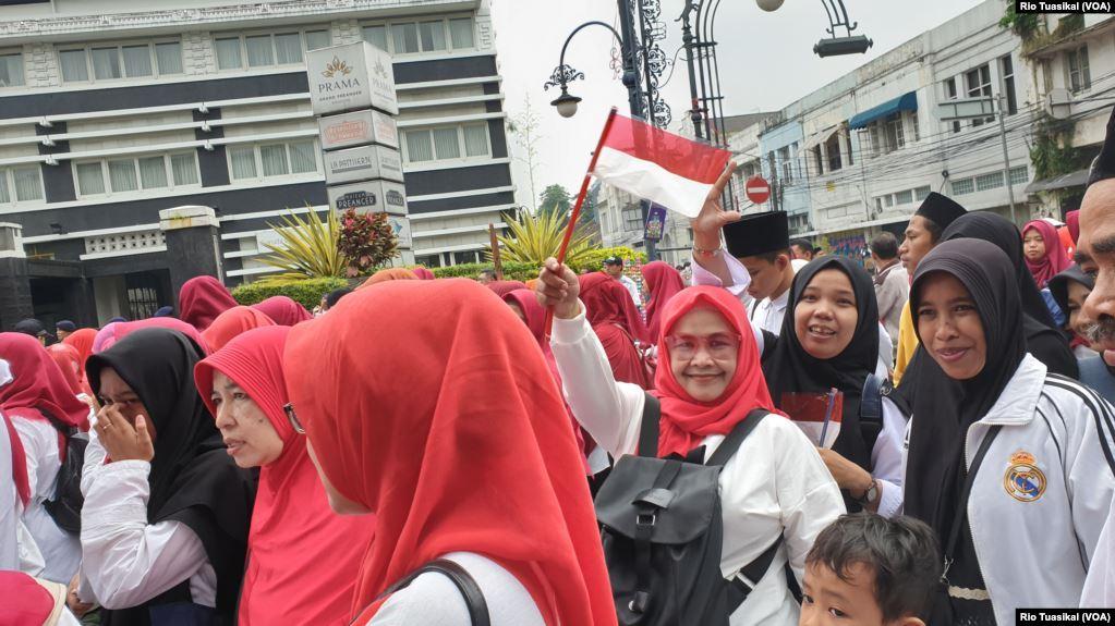 Dalam sebuah webinar kebangsaan, Senin (1/6), Wakil Rektor Universitas Pendidikan Indonesia (UPI) Prof. M. Solehuddin, mengakui Pancasila kerap diabaikan. Karena itu, pendidikan Pancasila harus dikaitkan dengan masalah di masyarakat, seperti intoleransi dan radikalisme.