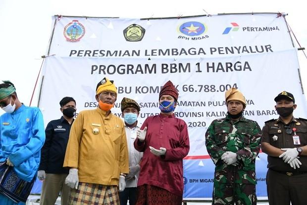 Peresmian SPBU BBM satu harga untuk yang pertama kalinya di tahun ini dilakukan di Desa Tanjung Satai, Pulau Maya, Kabupaten Kayong Utara Kalimantan Barat.