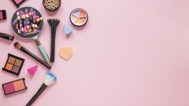 Hati hati Jika Sering Bertukar Alat Kosmetik Dengan Orang Lain