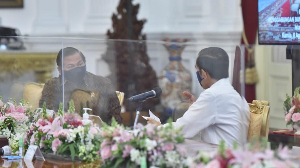 Jokowi Keluarkan Instruksi Atur Sanksi Pelanggar Protokol COVID-19
