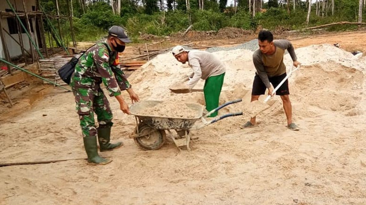 Kodam XII/Tanjungpura Melalui Program Percepatan Desa Mandiri, Bangun Sekolah