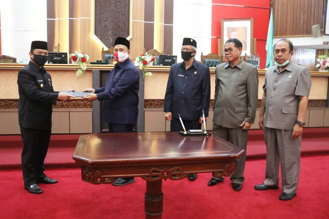 Wagub Kalbar H. Ria Norsan Sampaikan Pendapat Akhir untuk Pertanggungjawaban APBD Tahun Anggaran 2019