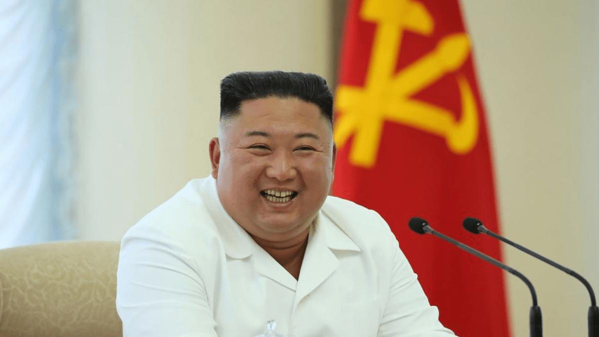 Pemimpin Korea Utara Kim Jong-un, Jumat (25/9) mengajukan permohonan maaf, sebut Korea Selatan setelah pembunuhan seorang pejabat sipil Korea Selatan di dekat perbatasan laut yang disengketakan kedua negara. Permohonan maaf itu adalah sesuatu yang langka dilakukan seorang pemimpin Korea Utara.