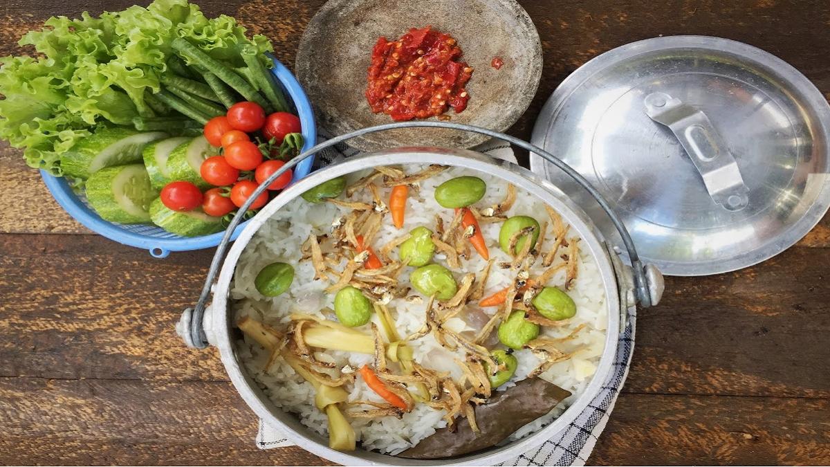 Resep Masakan Nasi Liwet Teri Masak di Ricecooker