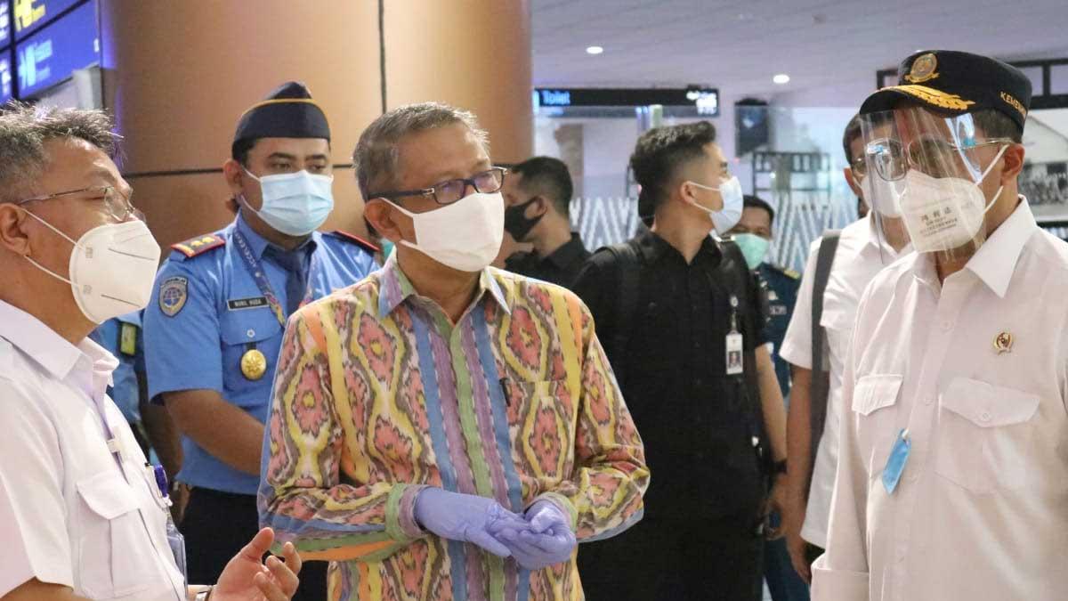 2000 Masker Dari Menhub Untuk Petugas Kesehatan Di Bandara Supadio