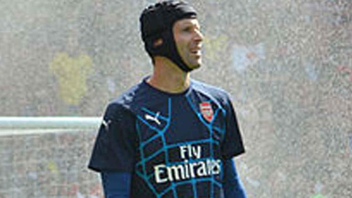 Chelsea VS Manchester United, Debut Petr Cech Setelah Pensiun
