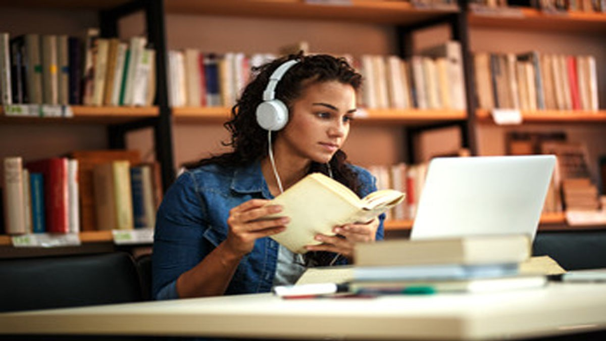 Suka Duka Mahasiswa Kuliah Online Dimasa Pandemi