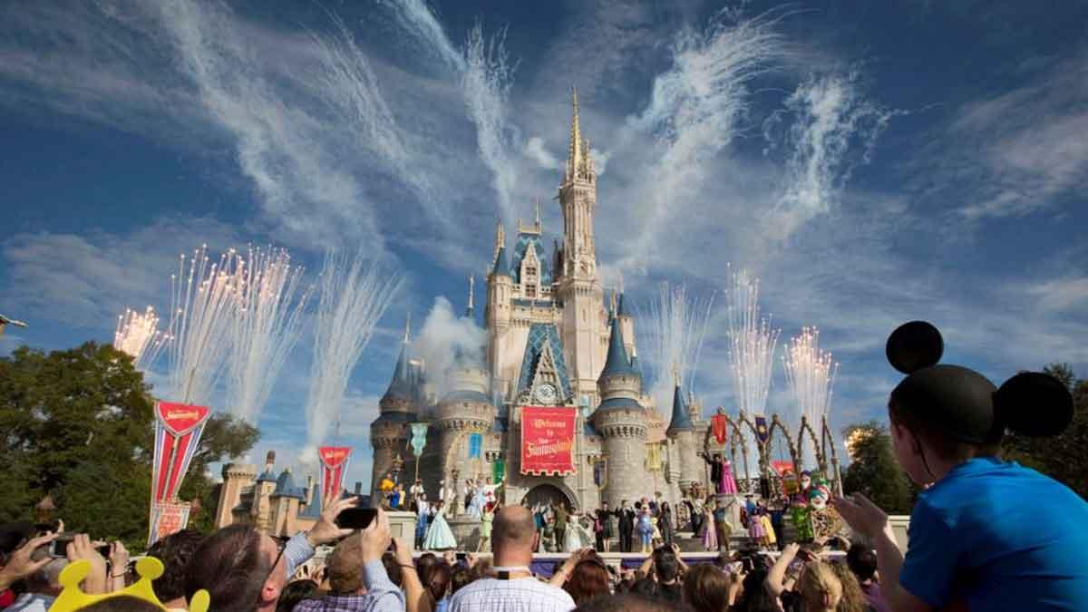 Disney akan PHK 4.000 Lebih Karyawan