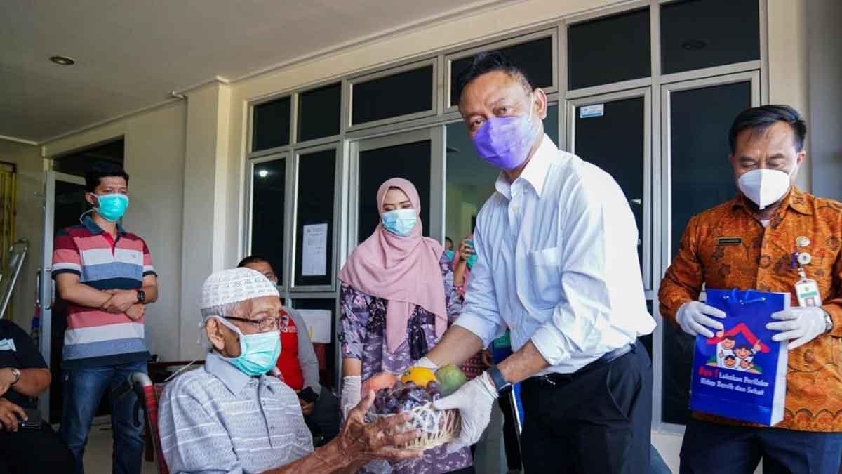 Edi Kamtono Suport Pasien Usia 95 Tahun Yang Sembuh Dari Covid-19