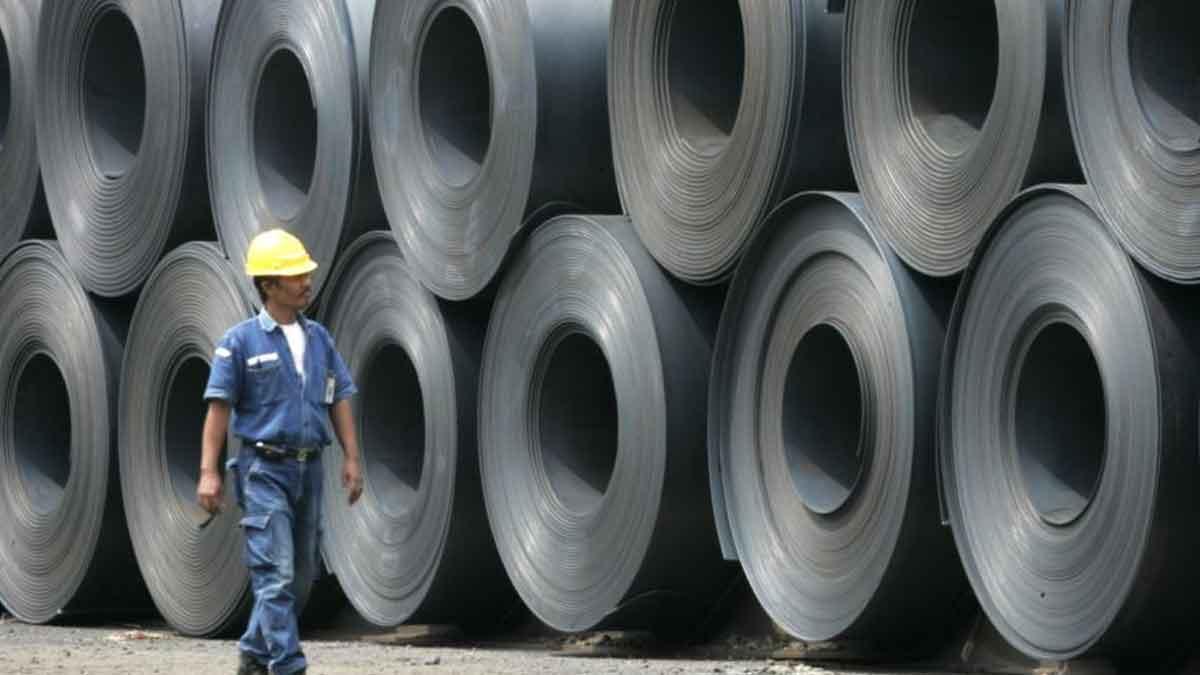 KSPI: Ratusan Ribu Buruh Terancam PHK Karena Baja Impor China