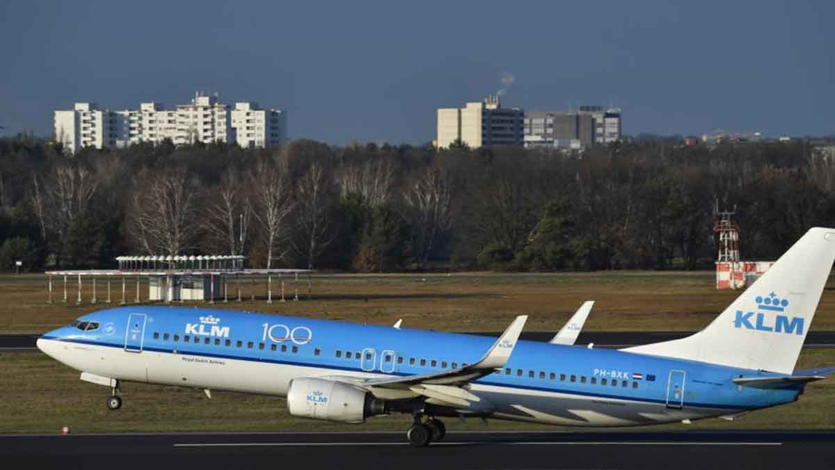 Maskapai Penerbangan Belanda KLM akan Pangkas 1.000 Pekerjaan Lagi