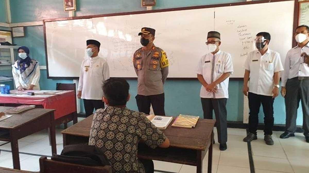 Sebanyak 95 Sekolah Di Sambas Menyatakan Siap Belajar Tatap Muka